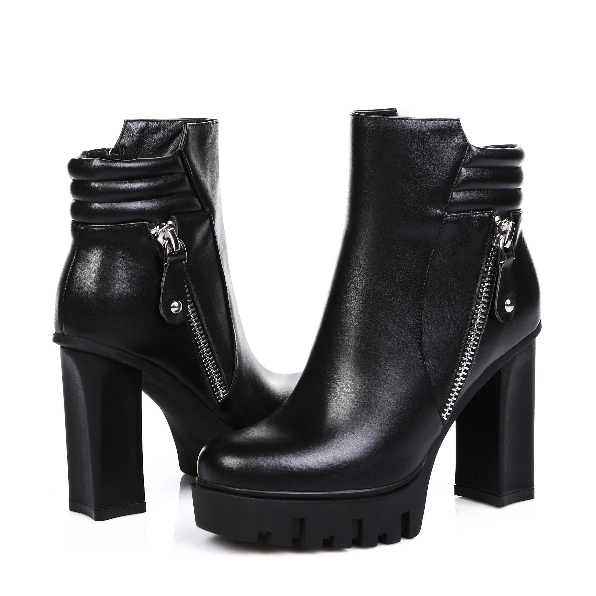 女士短靴处理 女士短靴清仓 东莞高价收购库存短靴